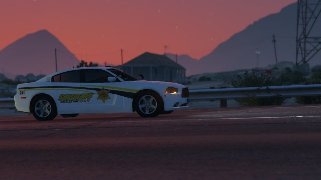 A slicktop CCSO Charger keeps the interstate safe.